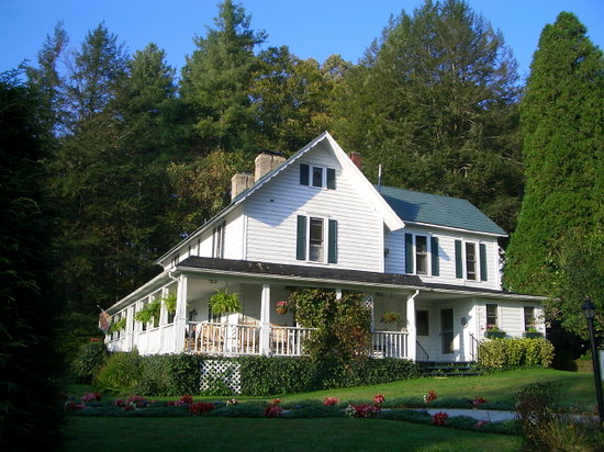 Lovill House Inn - Bed and Breakfast: AAA Four Diamond Inn circa 1875