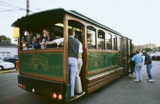 Frankfort Avenue Trolley Hop is the last Friday of every month along Historic Frankfort Avenue