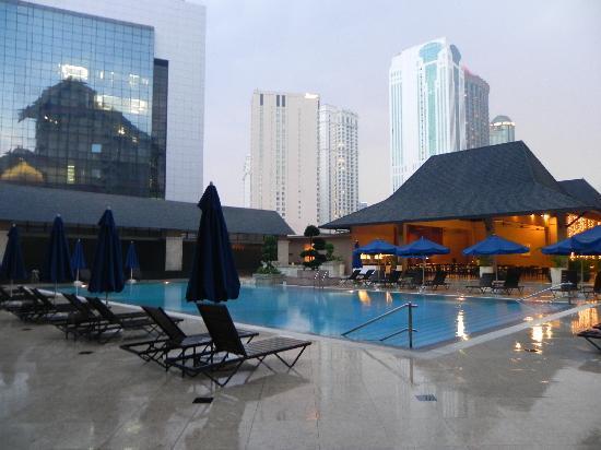 Royale Chulan Kuala Lumpur: swimming pool