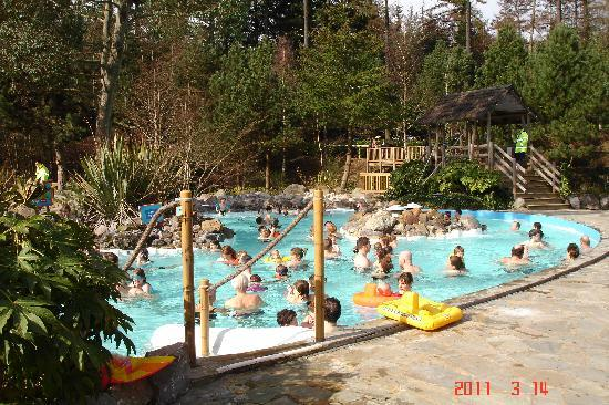 Center Parcs Longleat Forest: Aqua Parc outdoor swimming pools