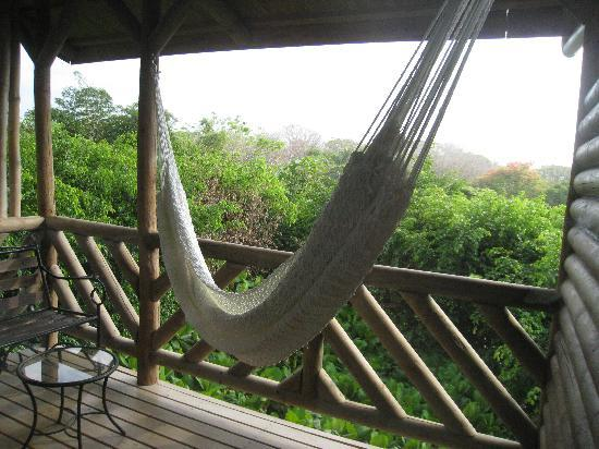 Horizon Ocean View Hotel and Yoga Center: The hammock on our upstairs deck.