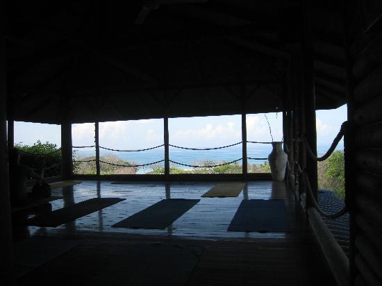 Horizon Ocean View Hotel and Yoga Center: Yoga deck.