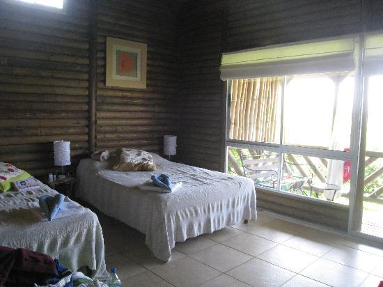 Horizon Ocean View Hotel and Yoga Center: The bedroom.