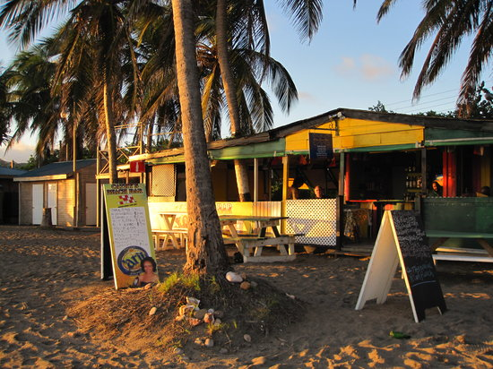 Cathy's Ocean View Bar and Grill: Cathy's restaurant