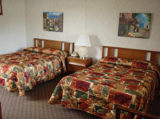 Pollace's Family Vacation Resort: Beautiful rooms.