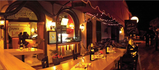 Lumiere Crepas & Bar