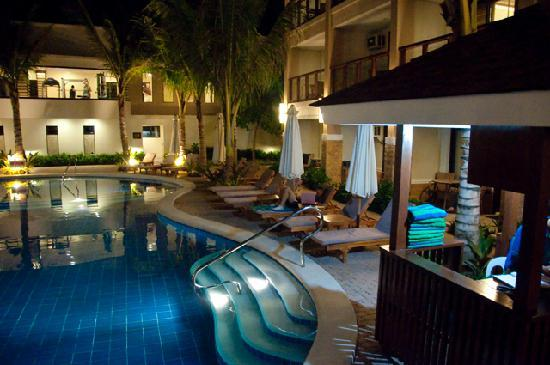 Henann Lagoon Resort: Part of their amazing pool