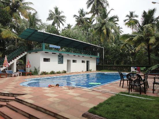 Rajapark Beach Resort: swiming pool