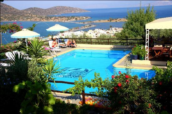 Elounda Heights Apartments and Studios: Swimming Pool