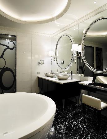 โรงแรมลอตเต้ มอสโก: Bathroom of Atrium Room