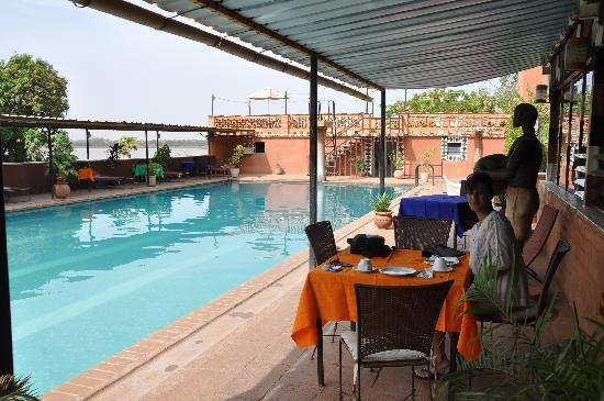 Hotel Ricardo : Breakfast by the pool
