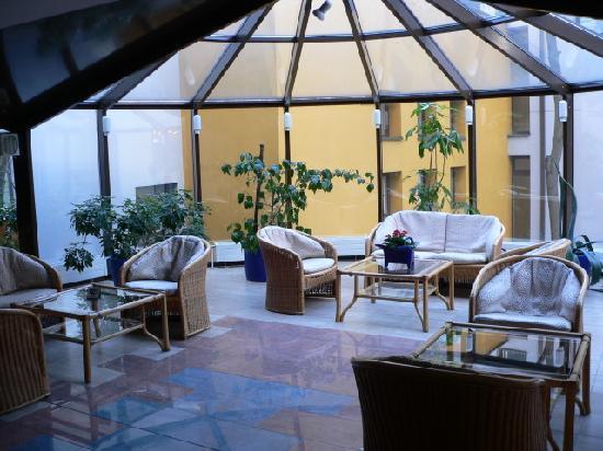 Grata Hotel: Зал на 2 этаже