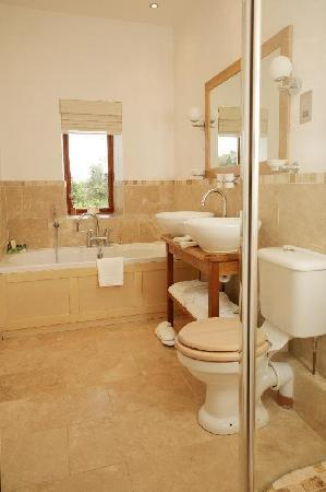 Spylaw Farm: Luxury bathrooms