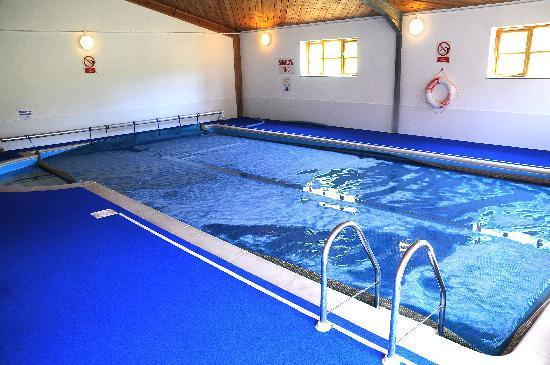 Adventure Cottages: Indoor Heated Pool