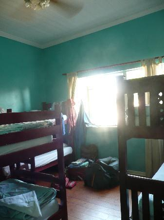 Tekweni Backpackers Hostel: il dormitorio da 6