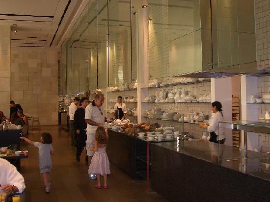 Mamilla Hotel : Breakfast