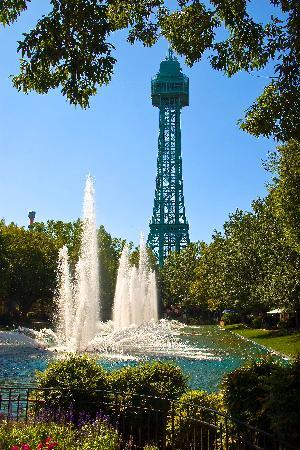 Kings Dominion: The Park's iconic Eiffel Tower and fountains