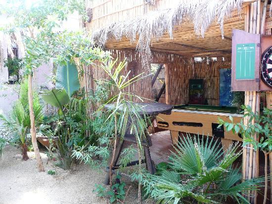 Lebo's Soweto Backpackers : un angolo del giardino dell'ostello