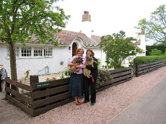 Muirfield Green Bed and Breakfast: In front of Muirfield Green