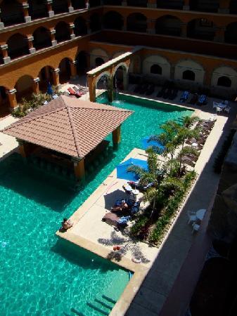 Marina Park Plaza Huatulco: Main Pool