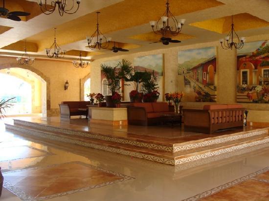 Marina Park Plaza Huatulco: Lobby