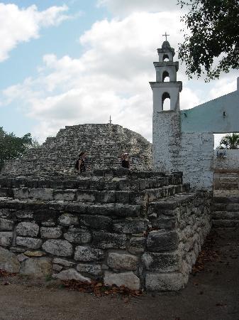 Casa de las Columnas: CHOC DE CIVILISATIONS