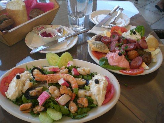 Istron, اليونان: pranzo a istro