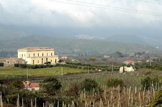 Randazzo, Italy: Blick auf das Hotel