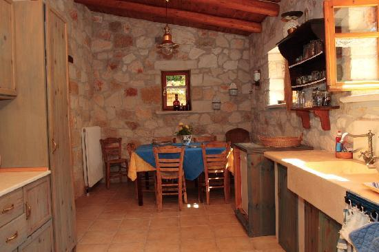 Armonia Houses: Villa Konstantinos-Küche