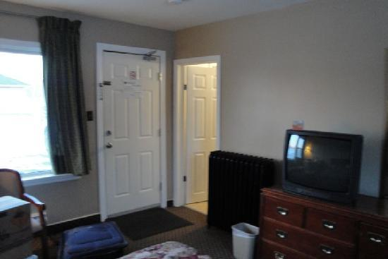 Moonlight Inn And Suites Sudbury : Room 1