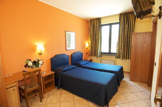 Hotel il granaio porto mantovano prezzi 2019 e recensioni - Piscina porto mantovano ...