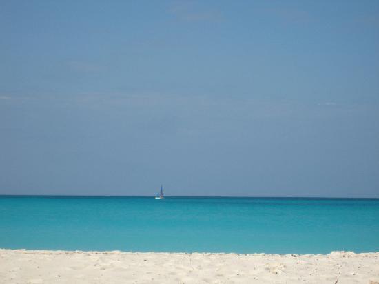 White sandy beach at Playa Paraiso