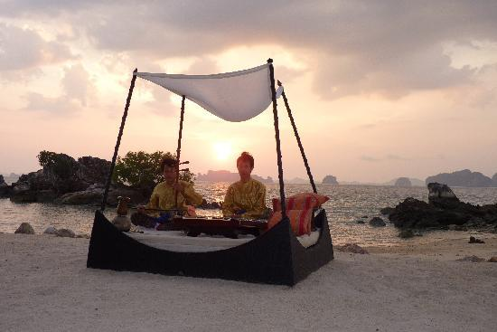 Phulay Bay, A Ritz-Carlton Reserve: Thai Music at Sunset