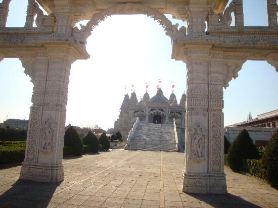 BAPS Shri Swaminarayan Mandir: il tempio