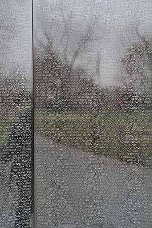 Walk of the Town : Vietnam War memorial