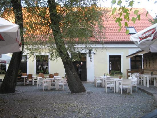 Ketrzyn, Polen: Looked like a fun place to eat in the summer.