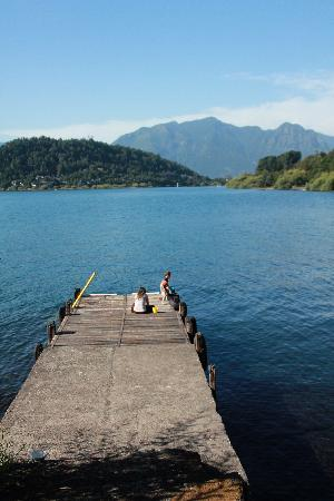 Hotel Antumalal: Lake side