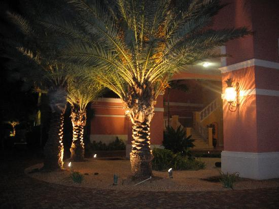 Blue Haven Resort: Nighttime at the condo