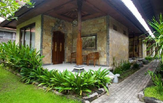Taman Sari Cottage II: Standard Bedroom