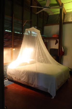 La Kukula Lodge: We did not need the net, but we liked it.