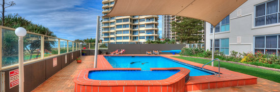 President Holiday Apartments: Direct access onto beach, heated pool all year.