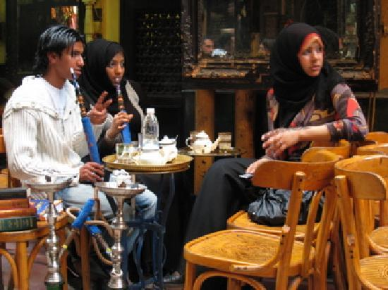 El Fishawi: Locals enjoying themselves - outdoor seating