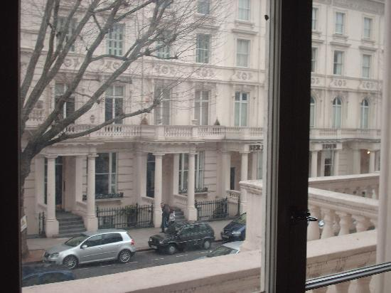 Hyde Park Suites Serviced Apartments: A rua