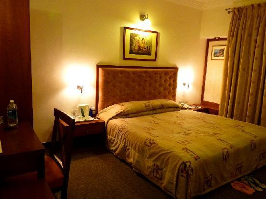 Beverly Hills: Bedside