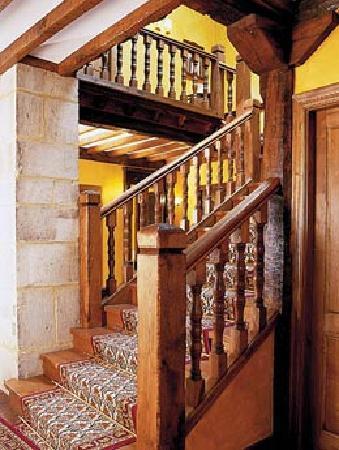 Escalera interior picture of la casa del organista - Escaleras para interior de casa ...