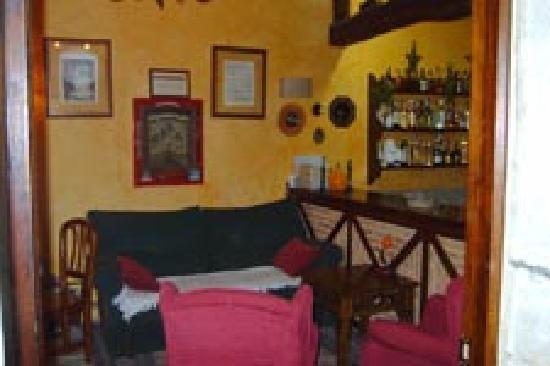 La Casa del Organista: Sala de estar y bar