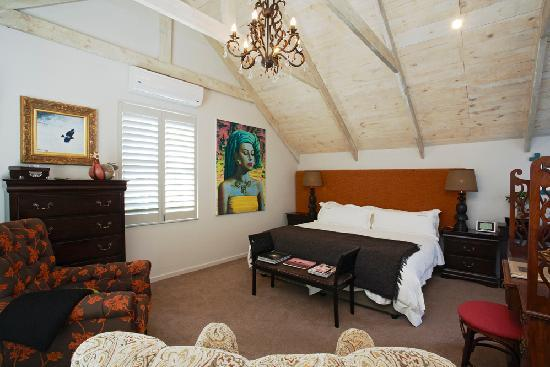 Abalone House: Bedroom