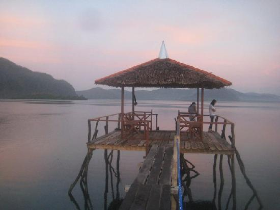 Majika's Island Resort: the jetty