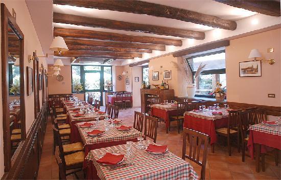 La Palombara Agriturismo : Sala interna ristorante
