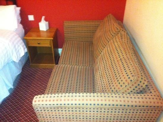 BEST WESTERN Falstaff Hotel: the family room second bed